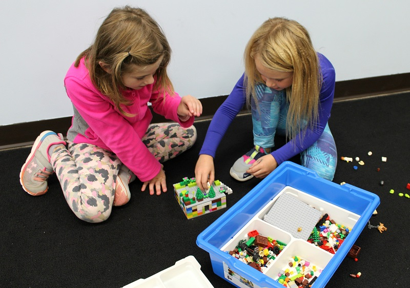 elementary lego building group